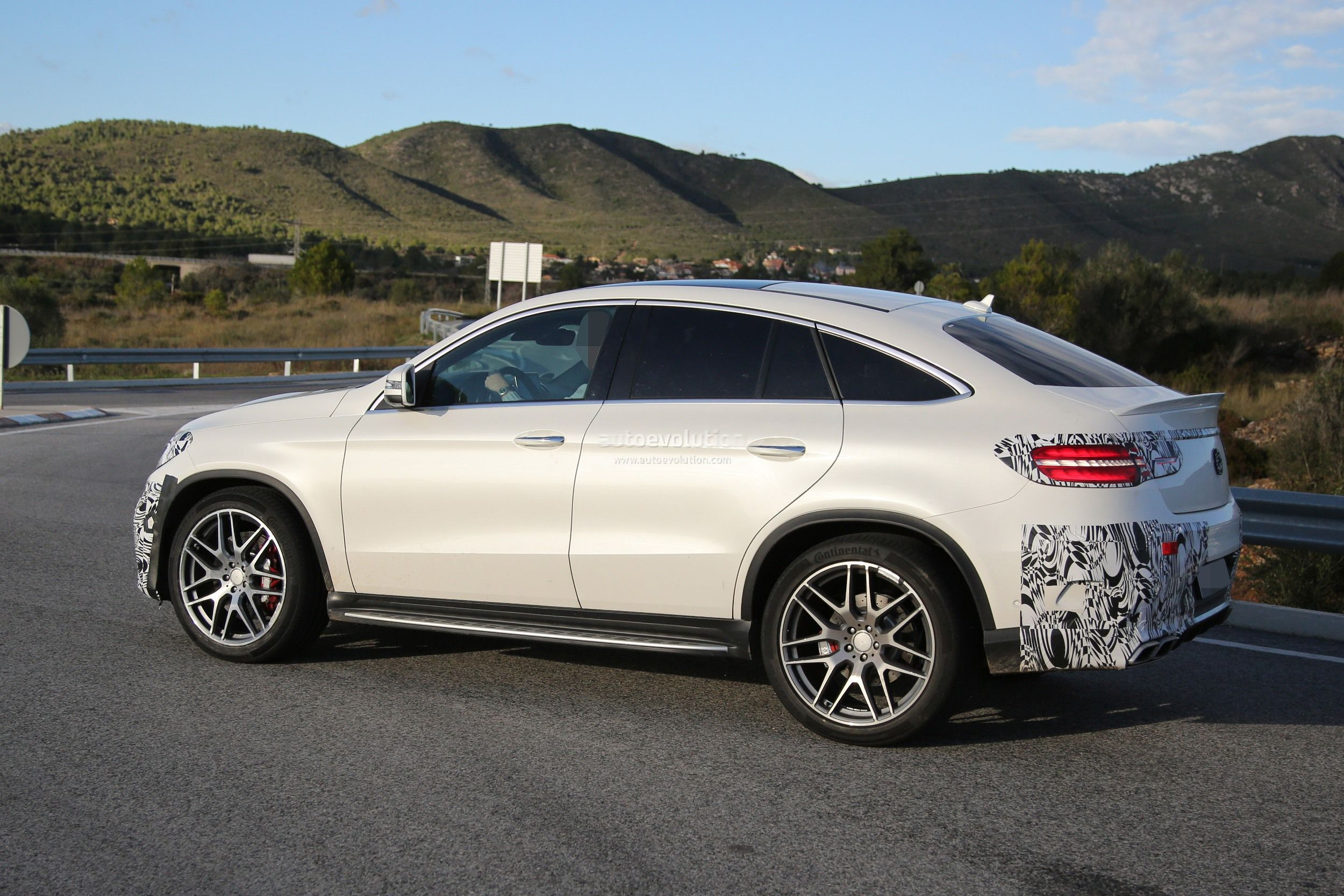 Lastcarnews mercedes benz gle 63 amg coupe spied in for 2017 amg gle 63 mercedes benz