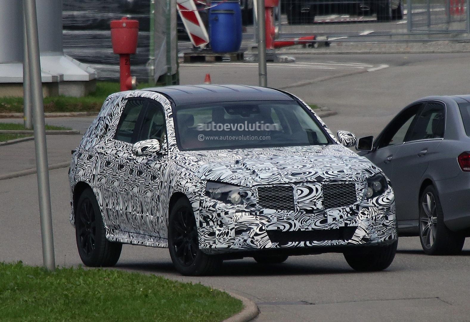 2015 - [Mercedes] GLC (GLK II) [X205] - Page 2 Mercedes-benz-glk-x205-caught-testing-photo-gallery_2