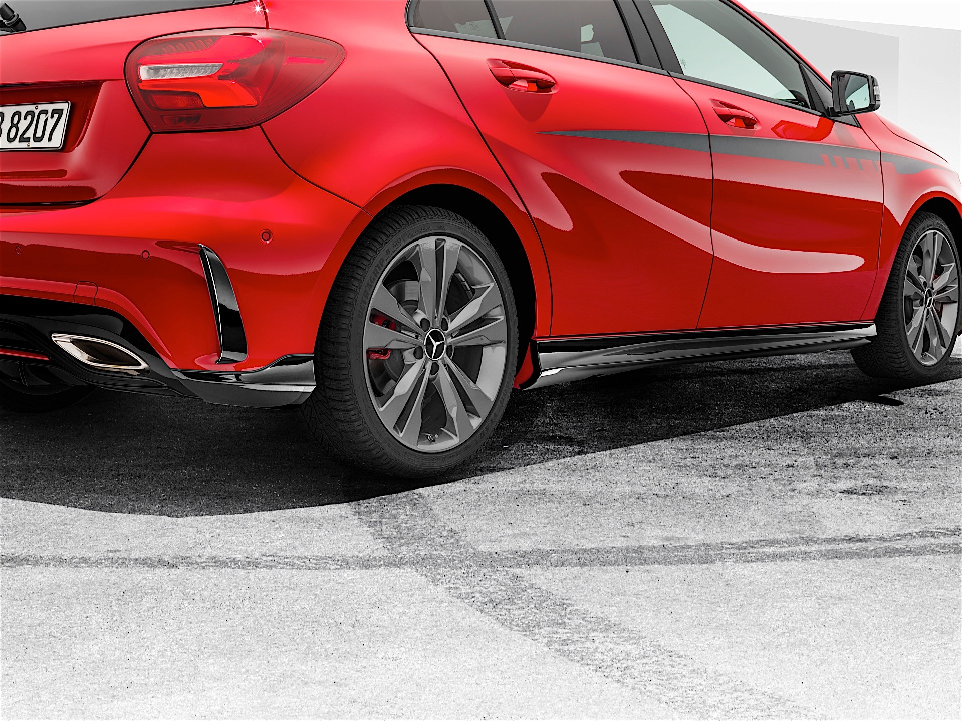 Mercedes-Benz Introduces AMG Body Kit for A-Class