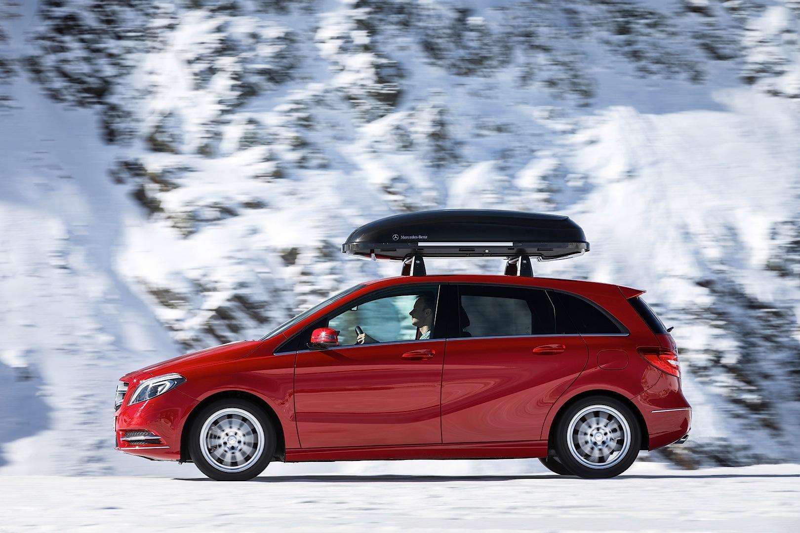 Mercedes benz launches 2013 winter accessories autoevolution for Mercedes benz store online