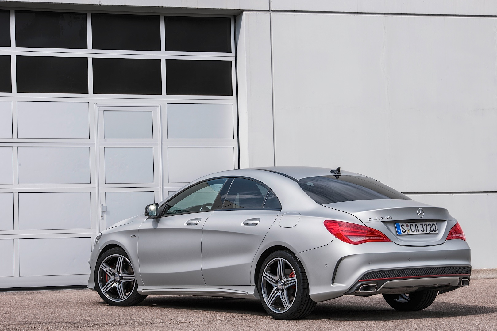 mercedes benz launches the cla 250 sport version autoevolution. Black Bedroom Furniture Sets. Home Design Ideas