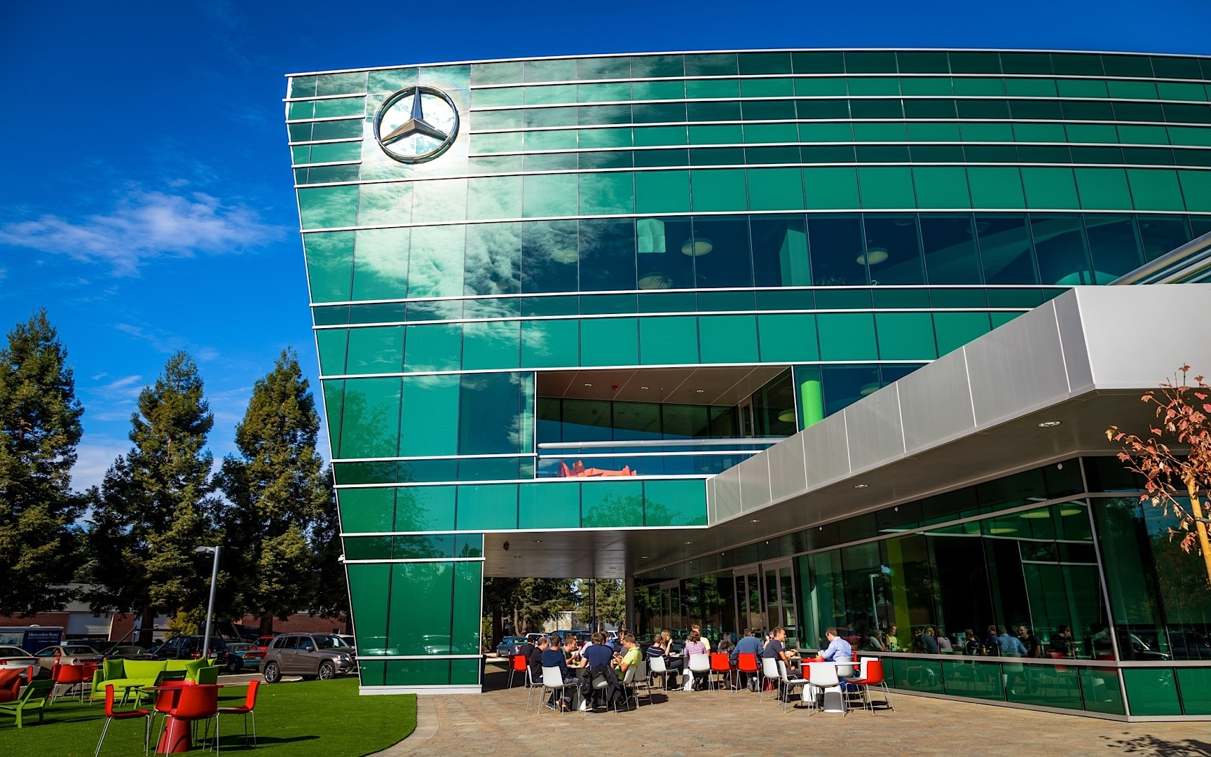 Mercedes benz opens new headquarters and r d center in for Mercedes benz customer service usa