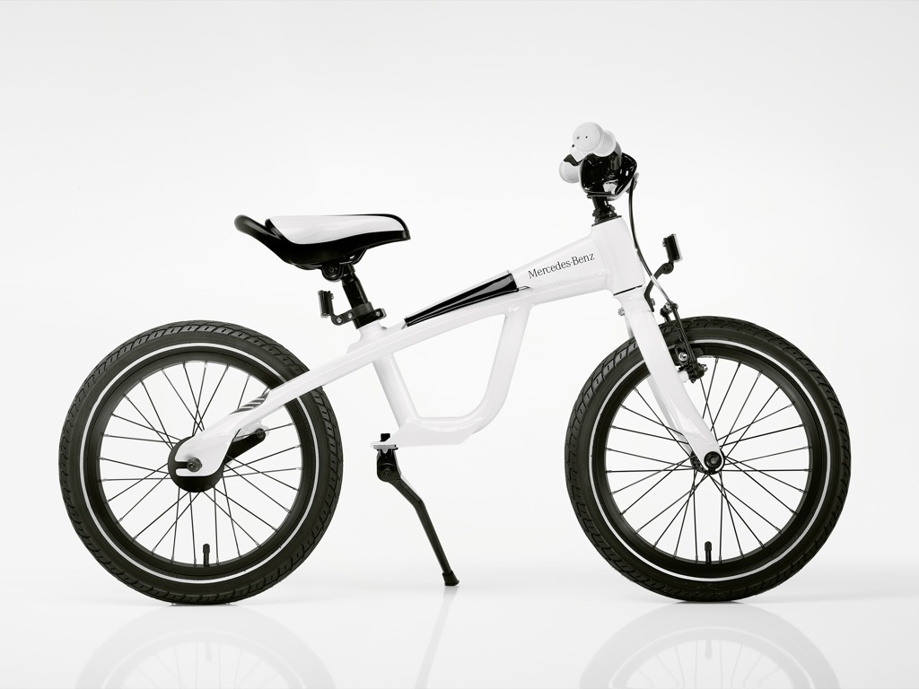 Mercedes-Benz Presents 2011 Bicycle Selection - autoevolution
