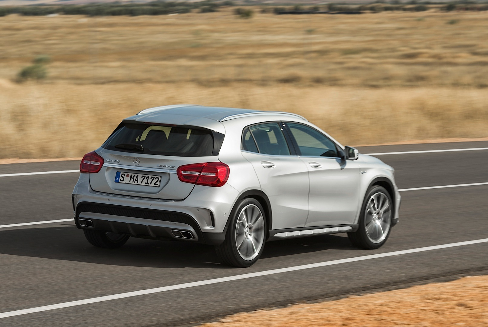 Mercedes benz releases first gla 45 amg video autoevolution for Mercedes benz press release