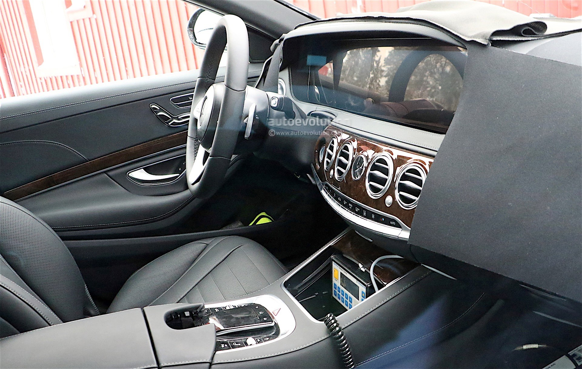2018 mercedes benz s class facelift spyshots reveal new interior autoevolution. Black Bedroom Furniture Sets. Home Design Ideas