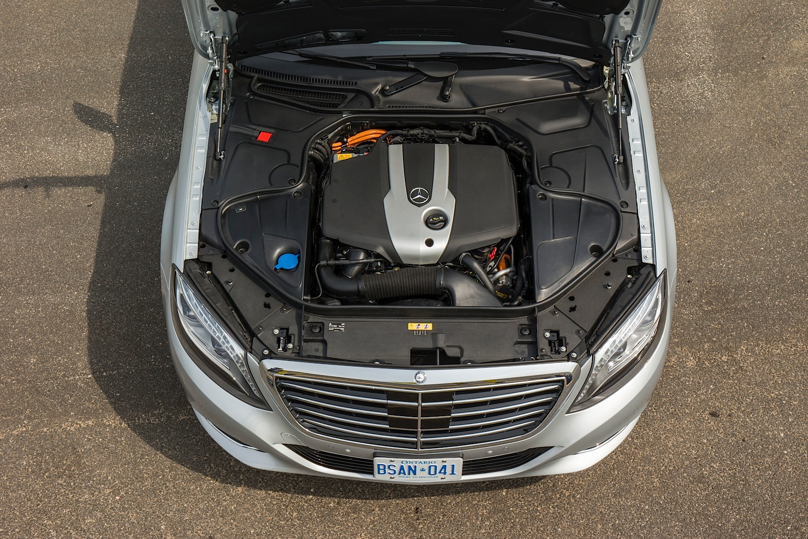 mercedes benz 39 s engine encapsulation saves fuel autoevolution. Black Bedroom Furniture Sets. Home Design Ideas