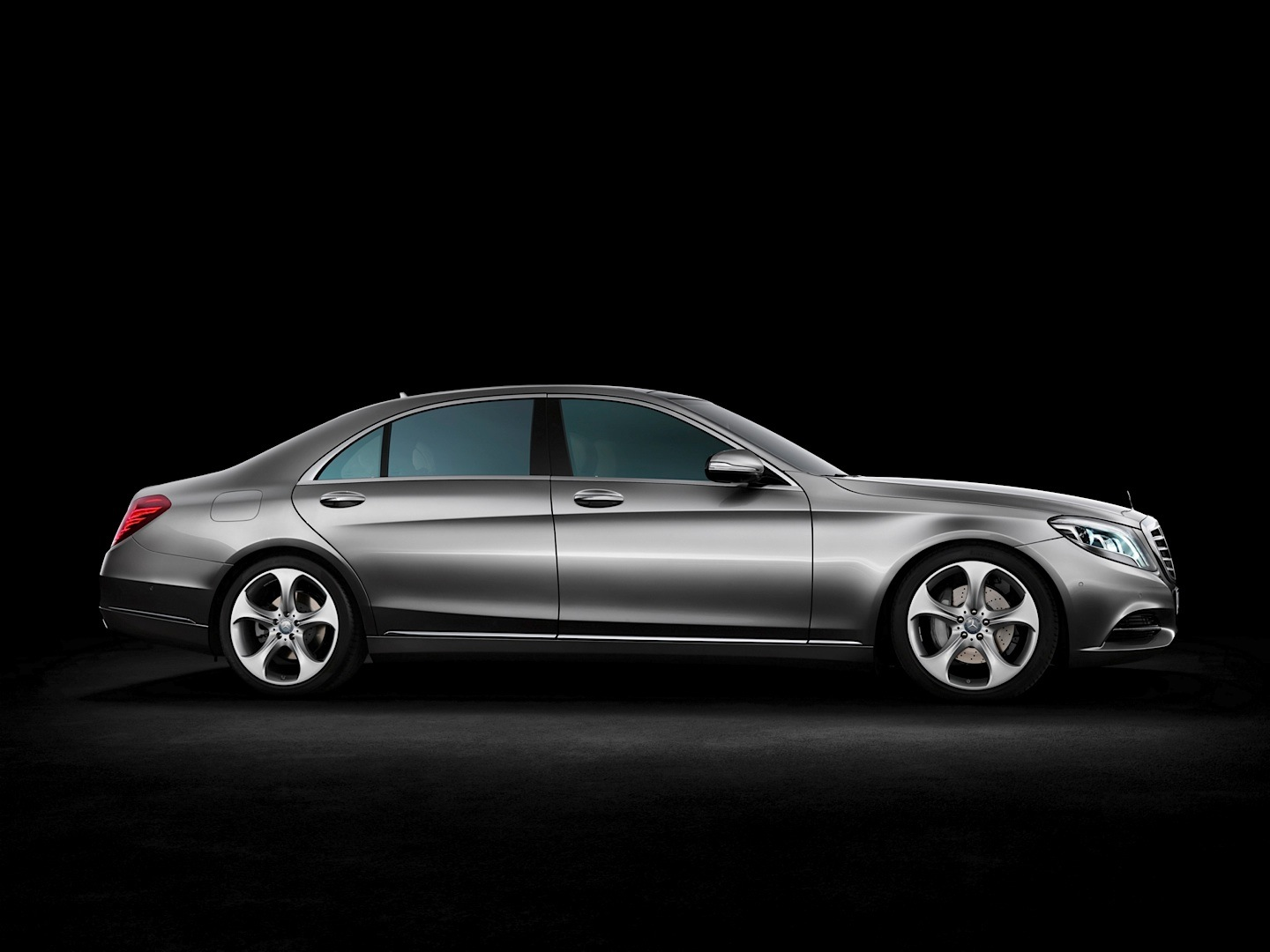 Mercedes benz s350 bluetec review by car autoevolution for Mercedes benz s350 bluetec