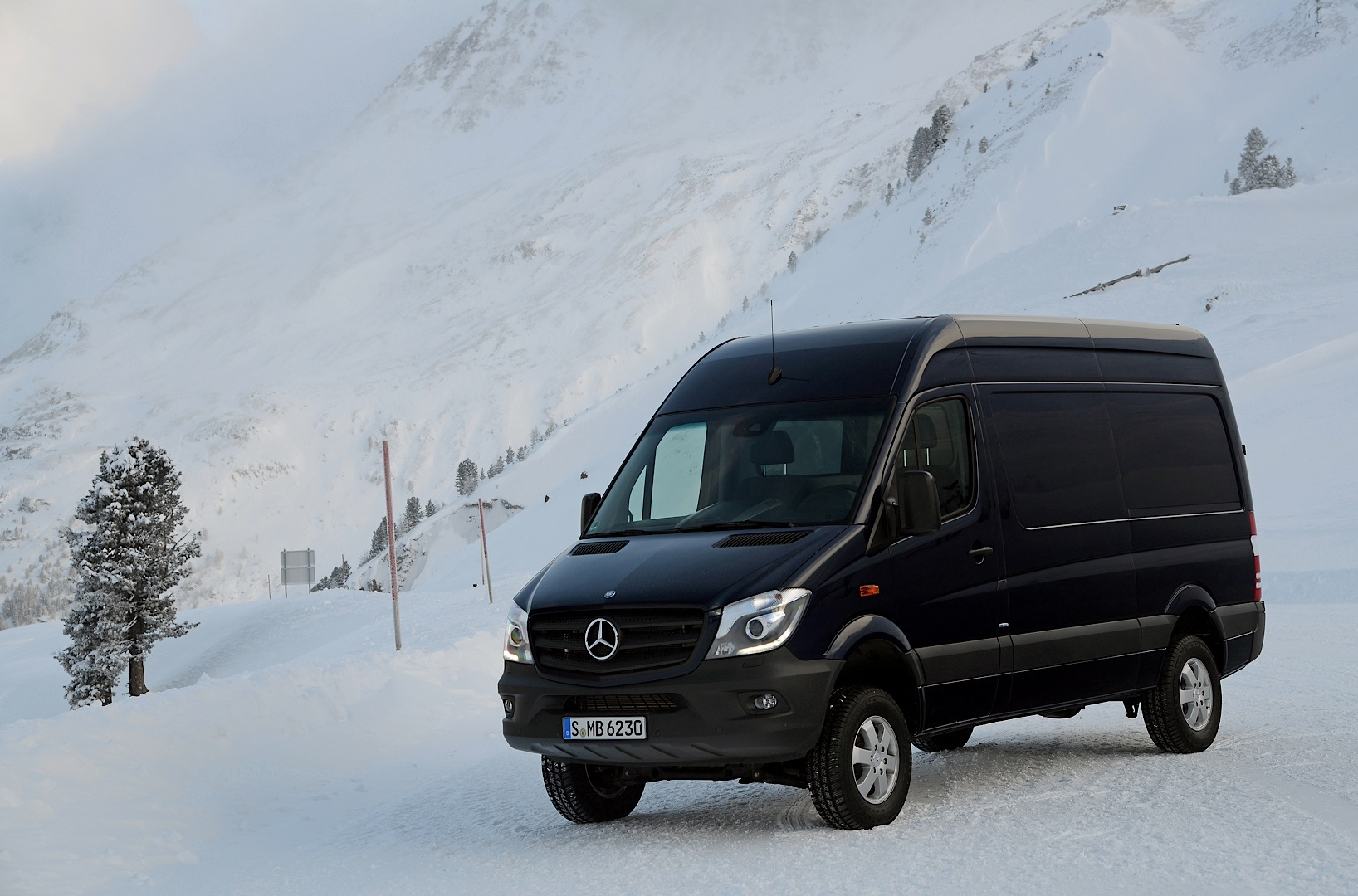 Mercedes benz sprinter 4x4 is on its way to the united for Mercedes benz 4x4 sprinter
