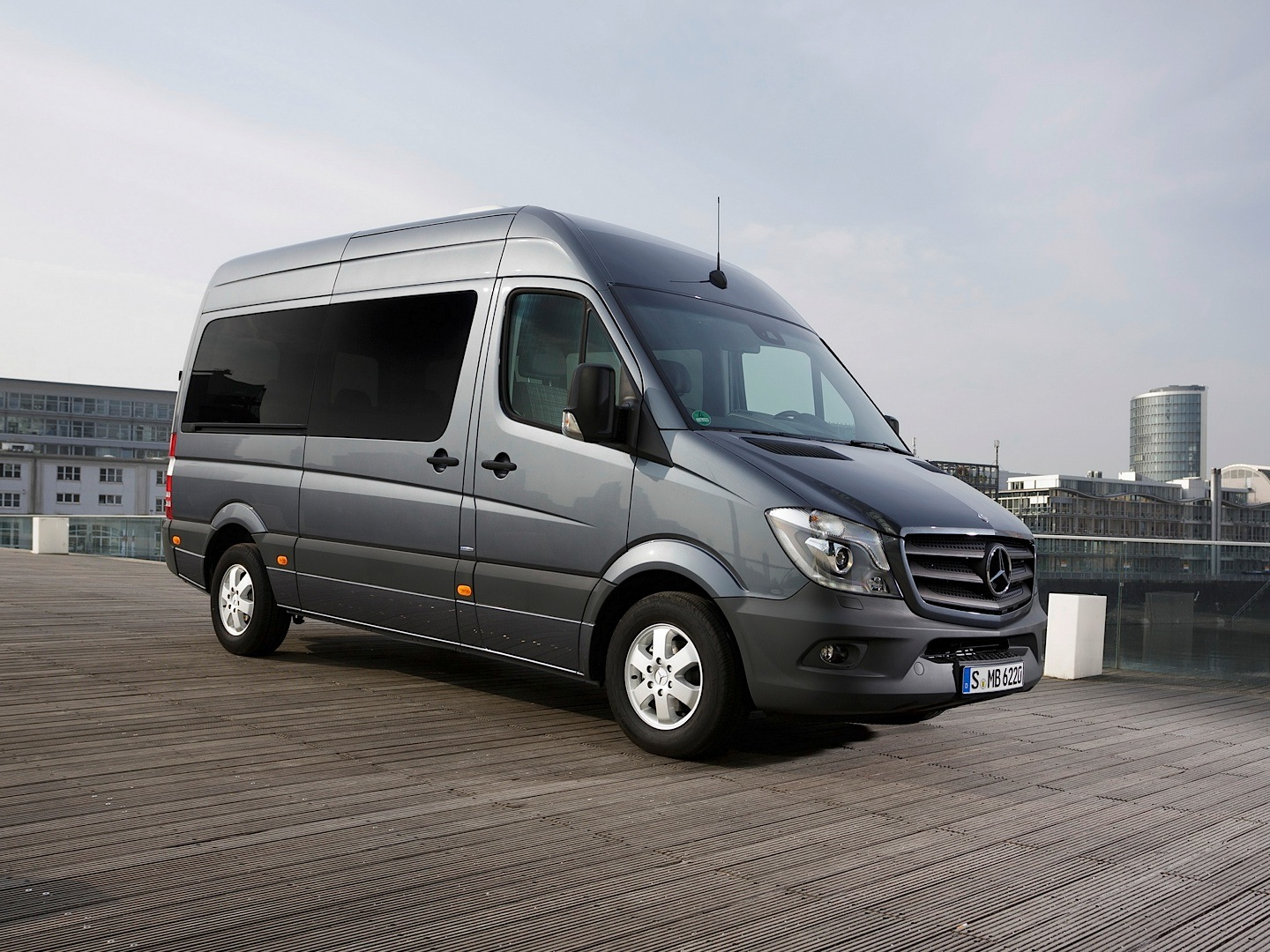 mercedes benz sprinter gets 2013 bakery van of the year award autoevolution. Black Bedroom Furniture Sets. Home Design Ideas