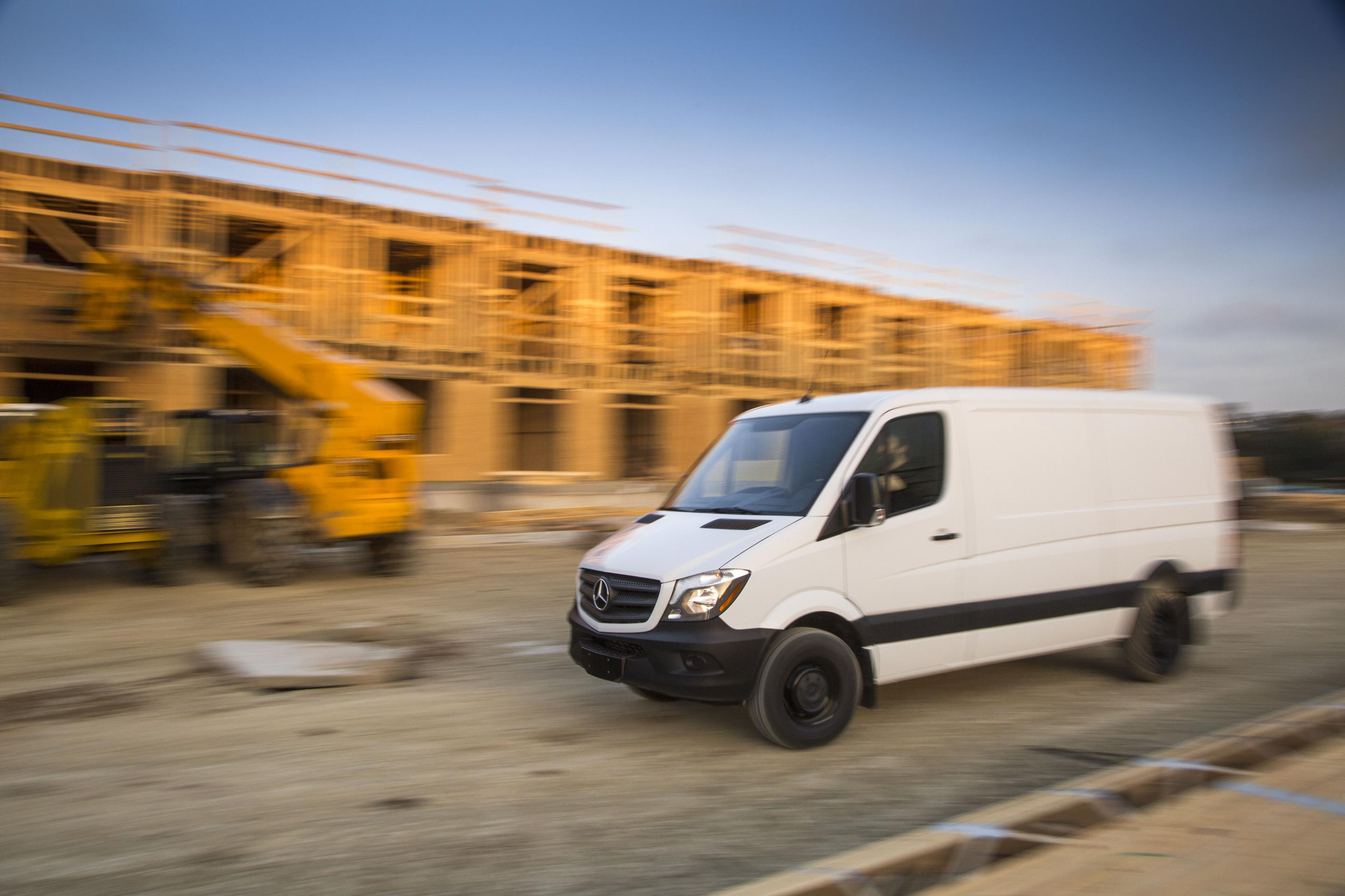 mercedes benz sprinter worker lineup expanded pricing starts from 33 490 autoevolution. Black Bedroom Furniture Sets. Home Design Ideas