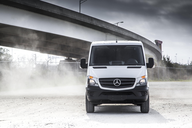 reviews ca metris options passenger van mercedes specs autotrader price photos benz trims research