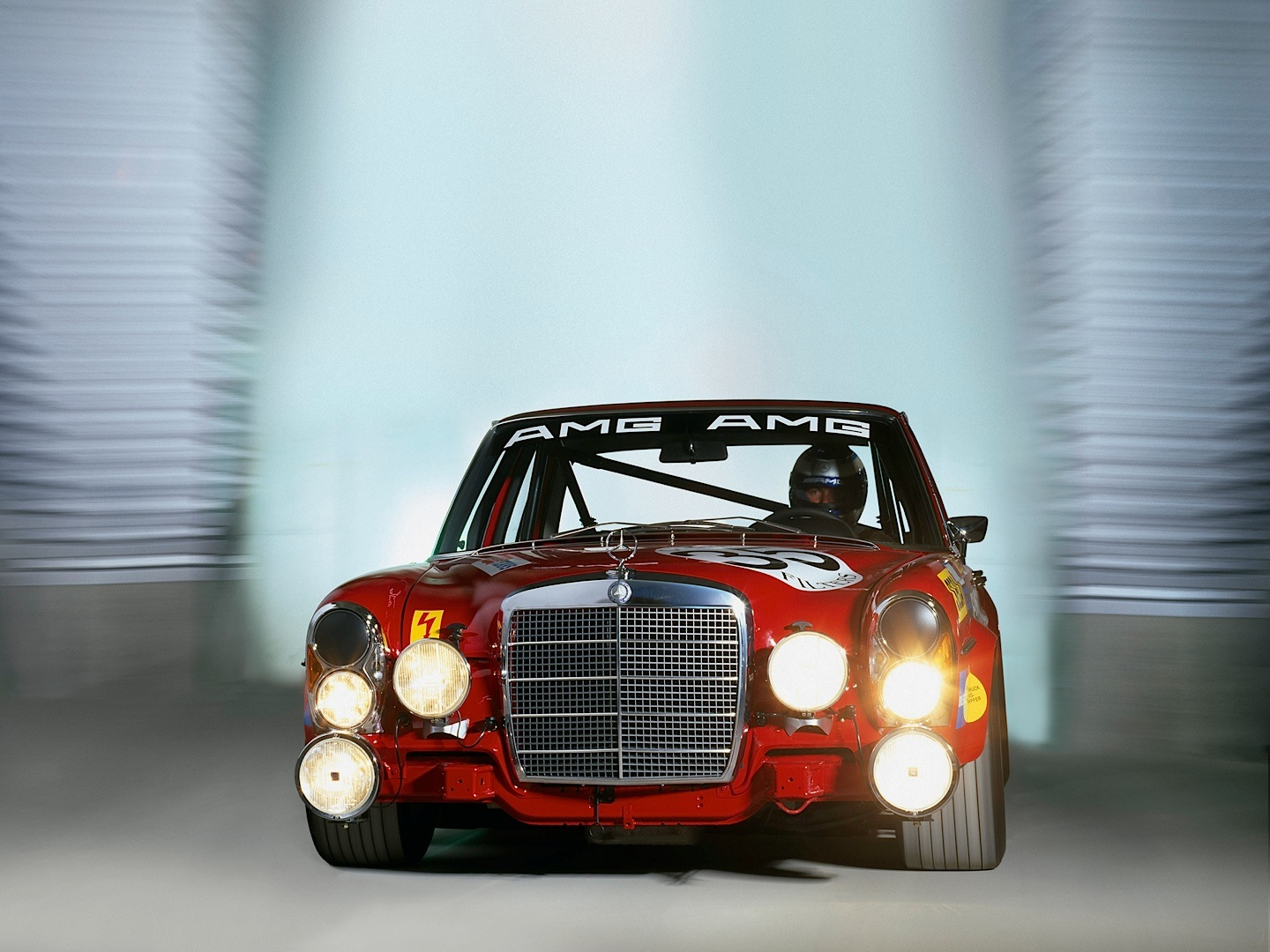 Mercedes Benz Ssk And Amg 300 Sel In The Spotlight Once