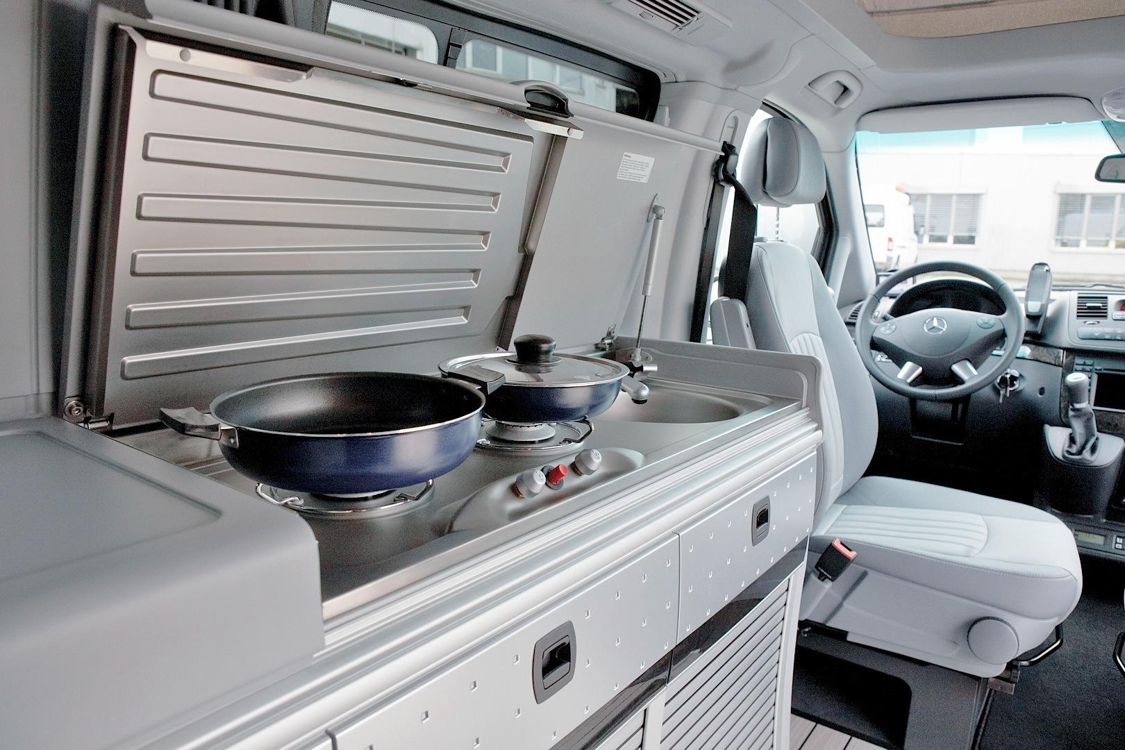 Mercedes benz takes over the 2013 caravan salon for Interieur camping car