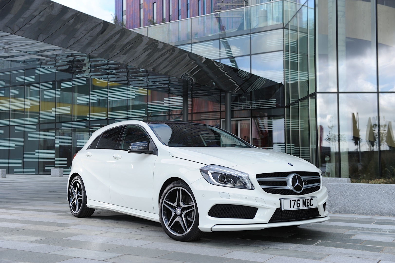 Mercedes Benz Uk Reports Best Ever Registrations In 2013