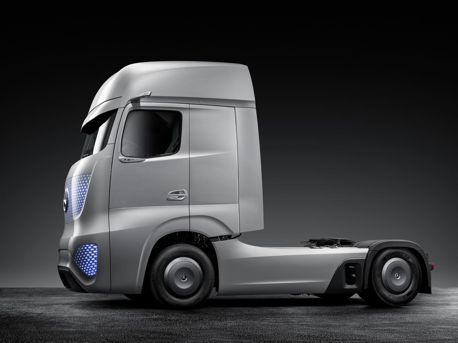 Mercedes-Benz Unveils Future Truck 2025 [Video ...