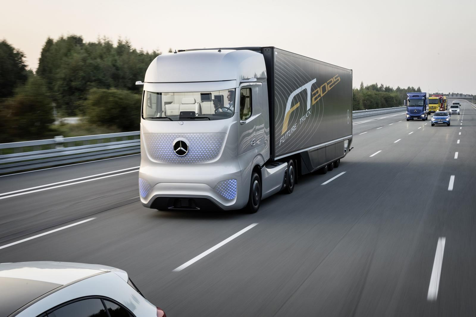 Mercedes benz unveils future truck 2025 video for Mercedes benz semi trucks