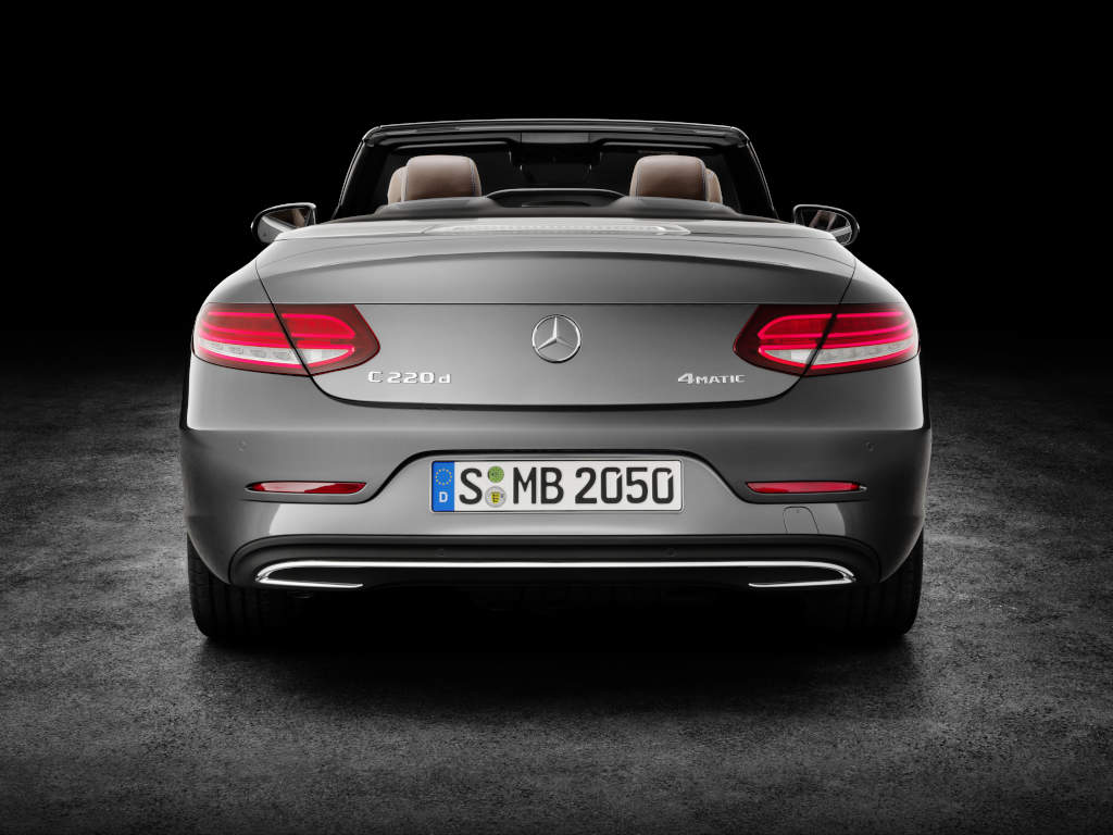 https://s1.cdn.autoevolution.com/images/news/gallery/mercedes-benz-unveils-its-c-class-cabriolet-range-including-the-amg-c43-model_30.jpg