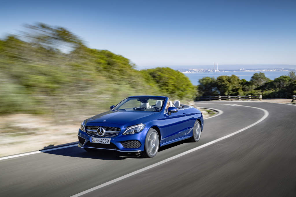 https://s1.cdn.autoevolution.com/images/news/gallery/mercedes-benz-unveils-its-c-class-cabriolet-range-including-the-amg-c43-model_7.jpg