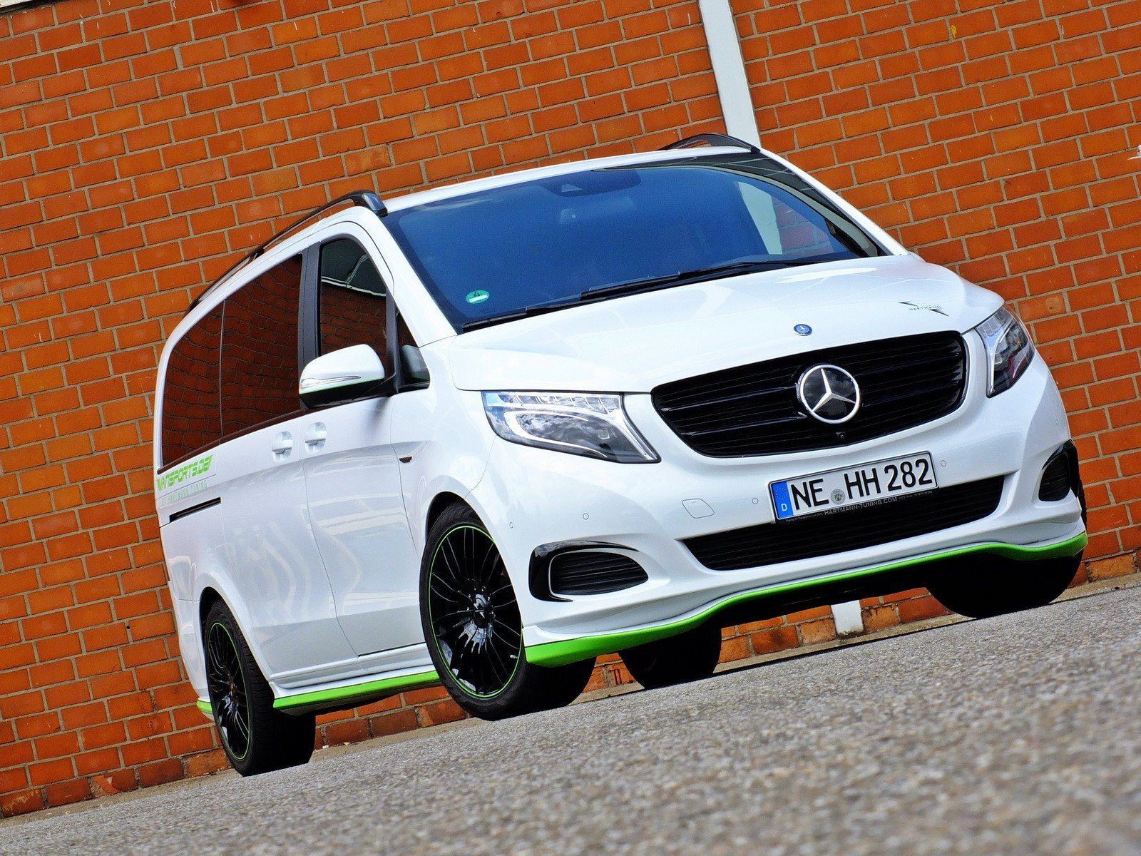 Mercedes-Benz V-Class Gets into Its Tracksuit with Help ...
