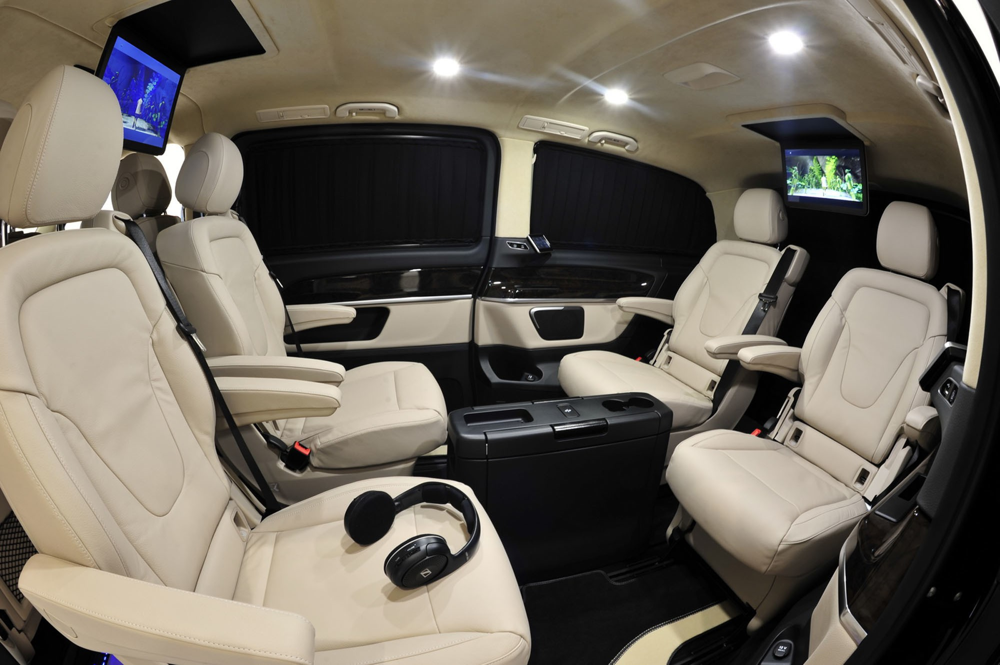 mercedes benz v class wins top shelf assets from brabus autoevolution. Black Bedroom Furniture Sets. Home Design Ideas