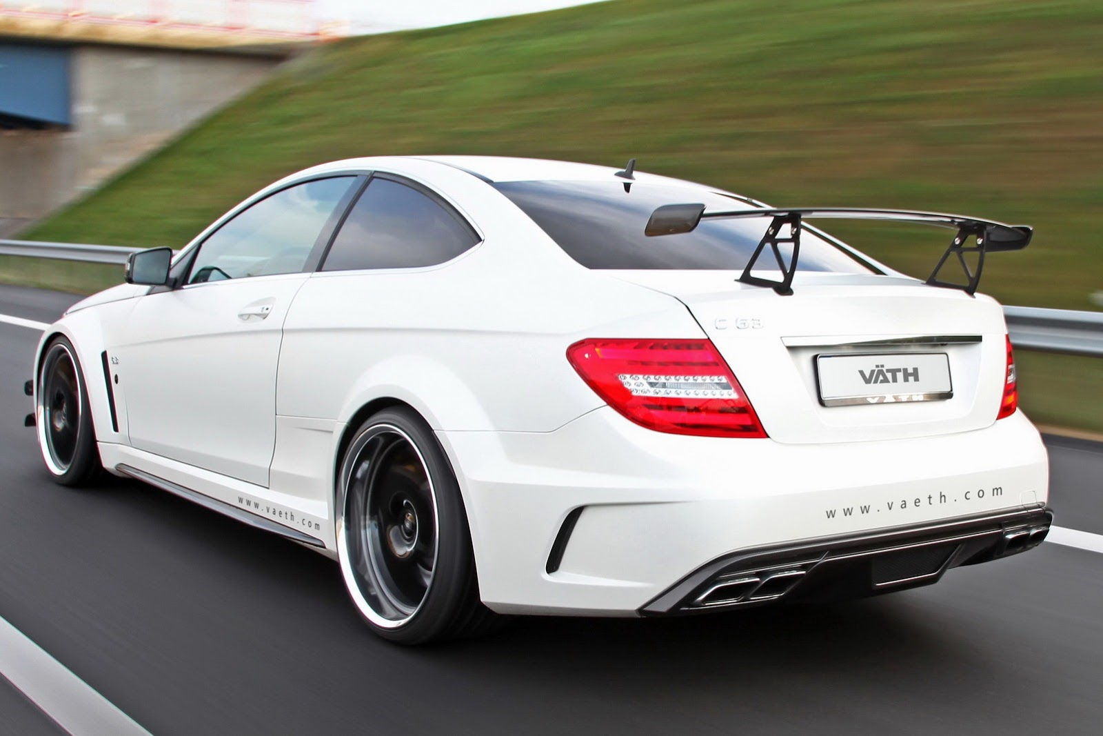 mercedes c63 amg black series tuned by vath autoevolution. Black Bedroom Furniture Sets. Home Design Ideas