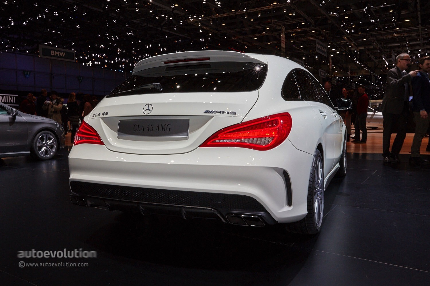 mercedes cla 45 amg shooting brake is geneva s dream. Black Bedroom Furniture Sets. Home Design Ideas