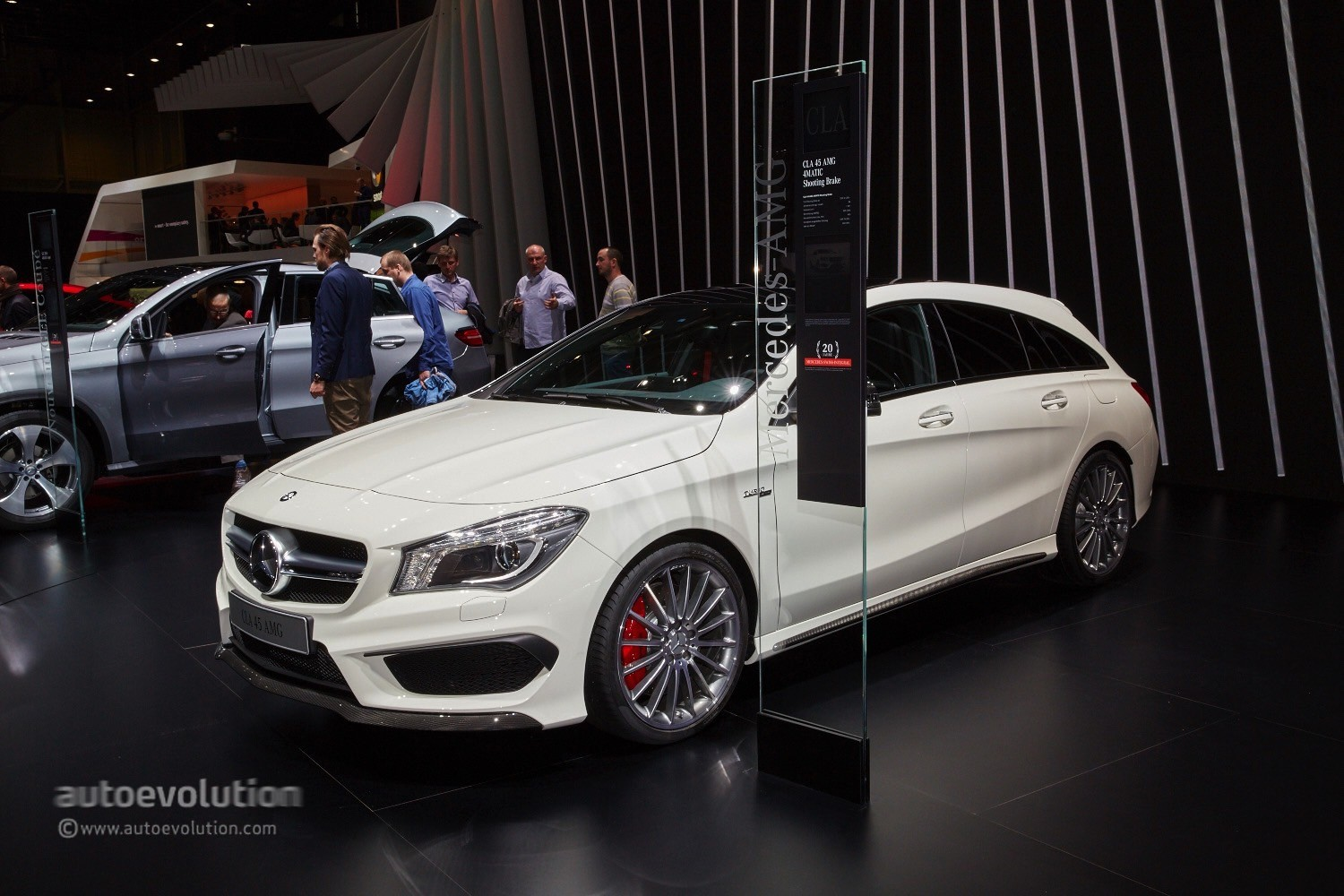 mercedes cla 45 amg shooting brake is geneva s dream estate autoevolution. Black Bedroom Furniture Sets. Home Design Ideas