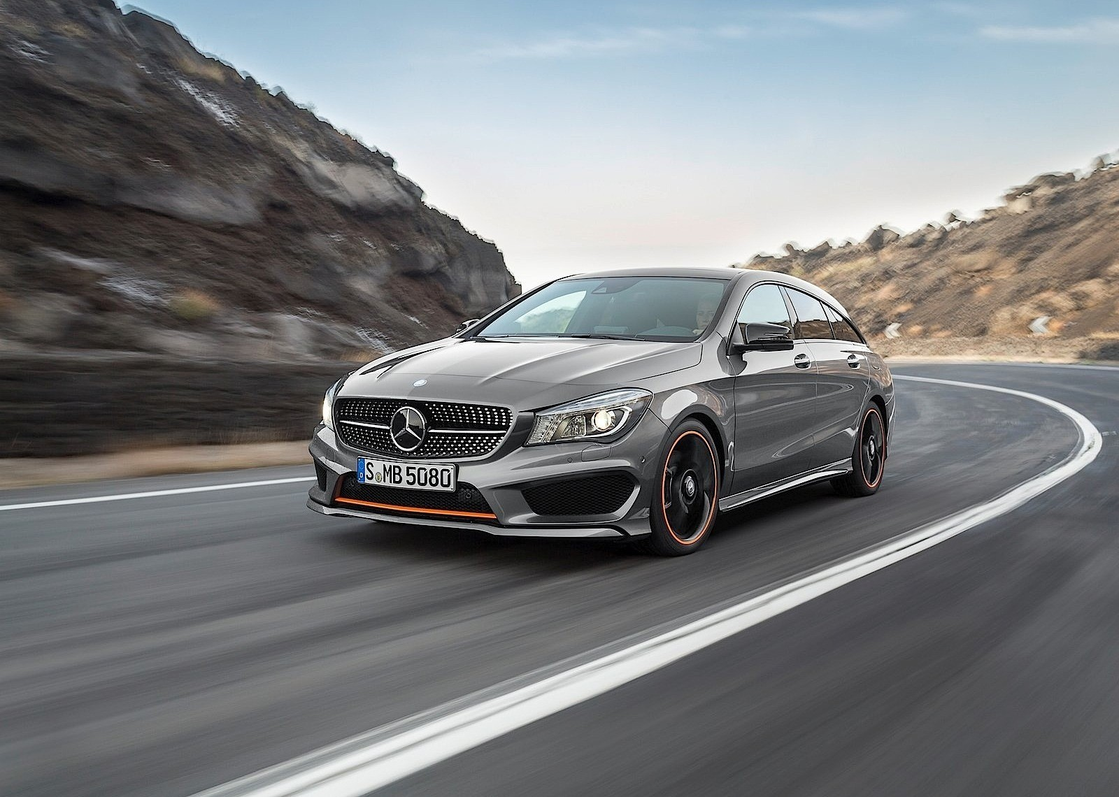2015 mercedes benz cla updated with slightly more powerful diesel autoevolution. Black Bedroom Furniture Sets. Home Design Ideas