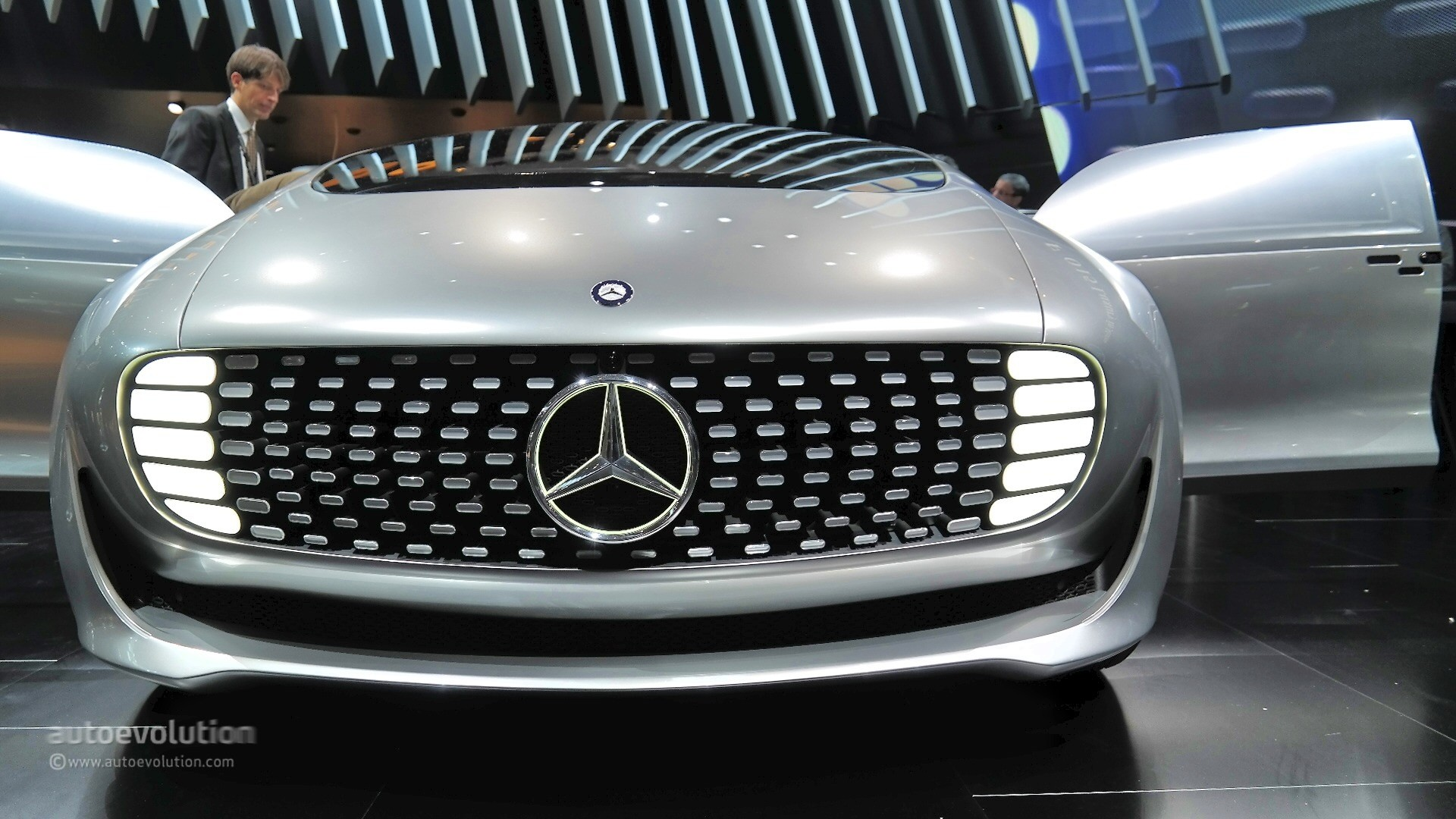 Mercedes Claims Cars Wont Change Drastically In Design Due To New Technology on mercedes benz f 015