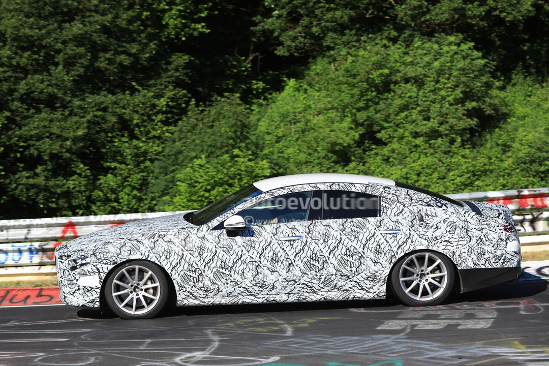 Mercedes benz cls successor to start new amg line between for Mercedes benz cle