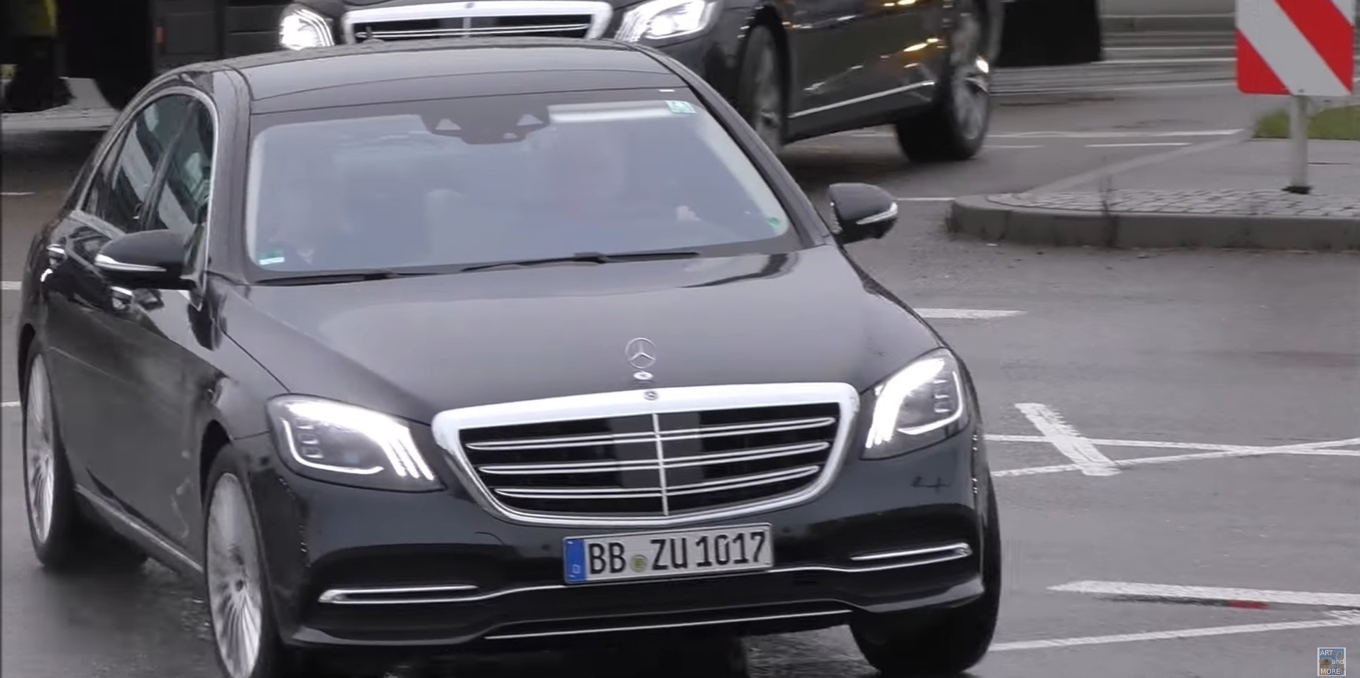 2018 mercedes benz s class facelift spotted in real life for Mercedes benz battery life