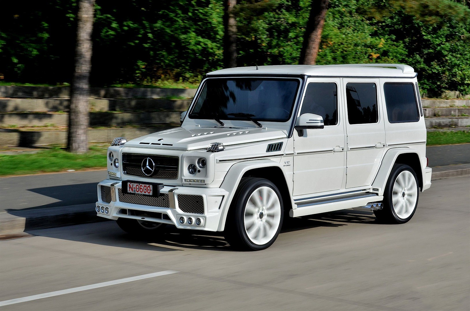 kevin hart upgrades to g65 amg from g63 what next. Black Bedroom Furniture Sets. Home Design Ideas