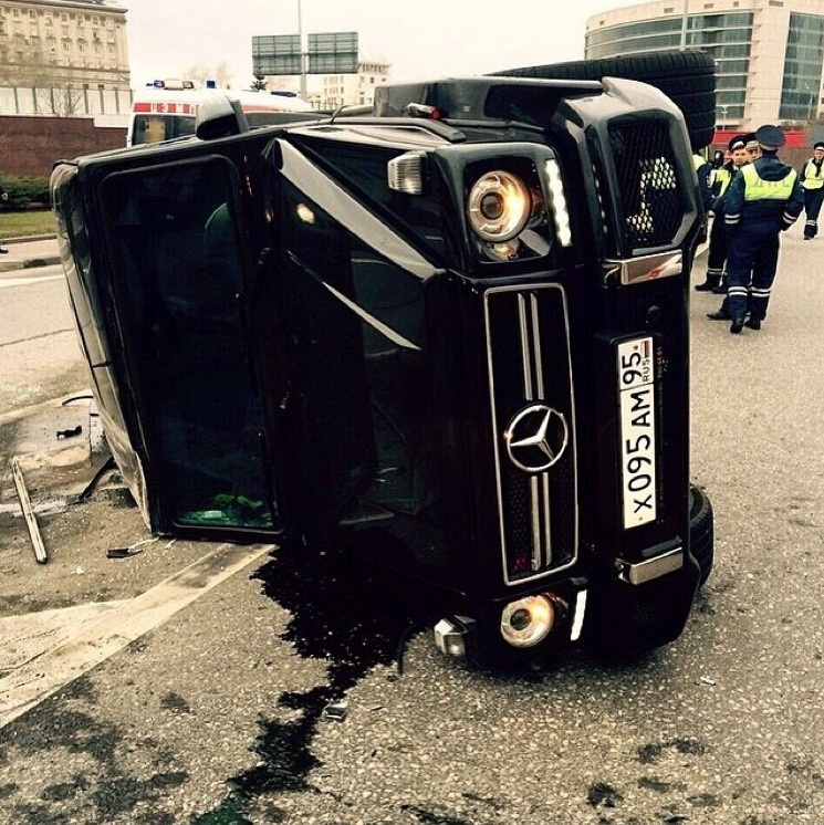 Mercedes Benz G63 Used: Mercedes G63 AMG Tipped Over In Russian Crash