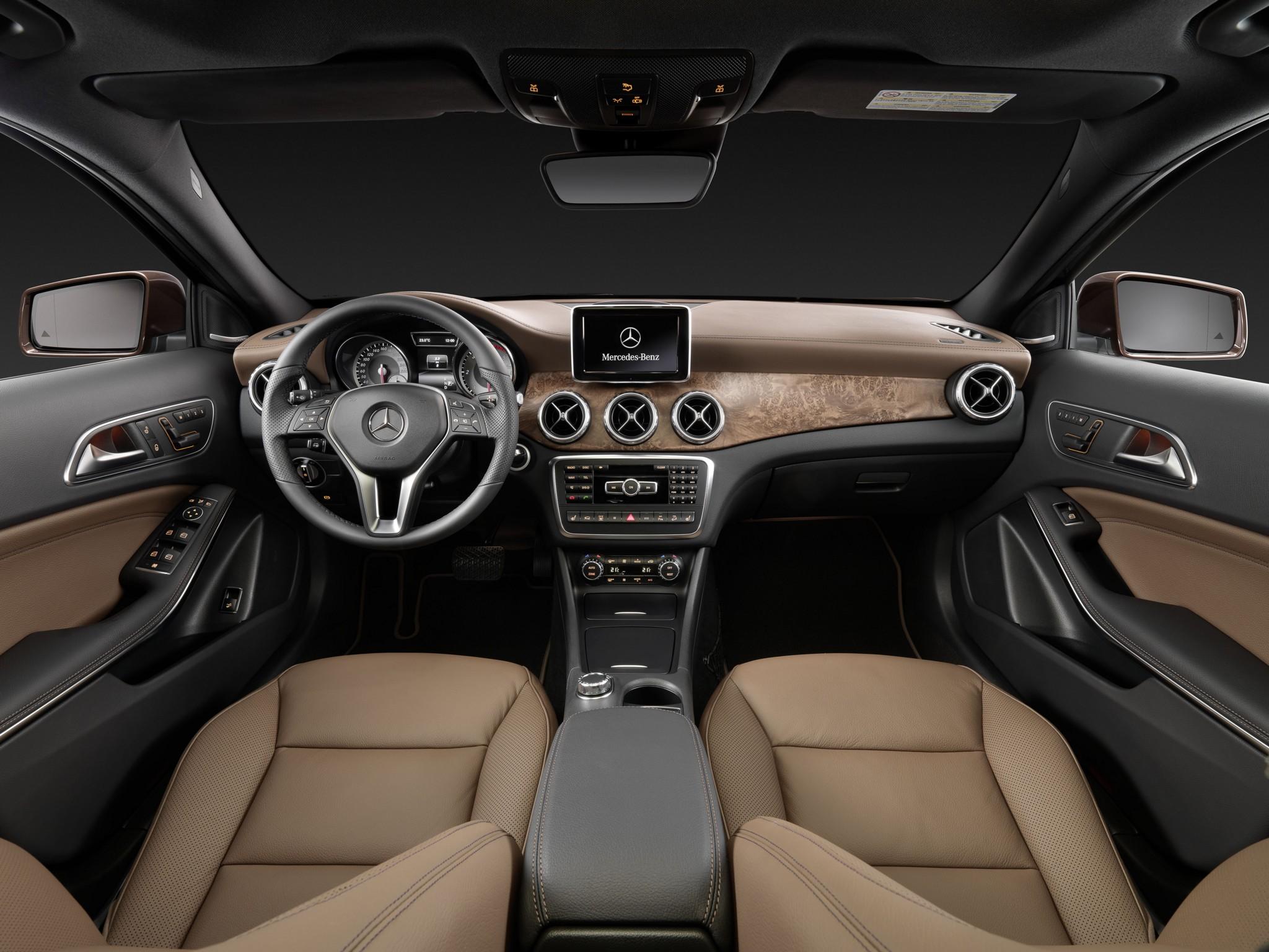 Mercedes Gla 220 Cdi Vs Volvo V40 Cross Country D4 The