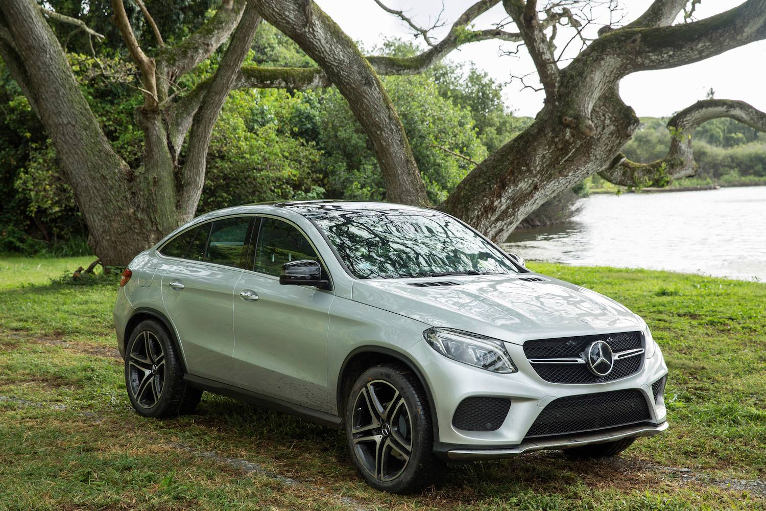 mercedes gle coupe to be featured in jurassic world. Black Bedroom Furniture Sets. Home Design Ideas