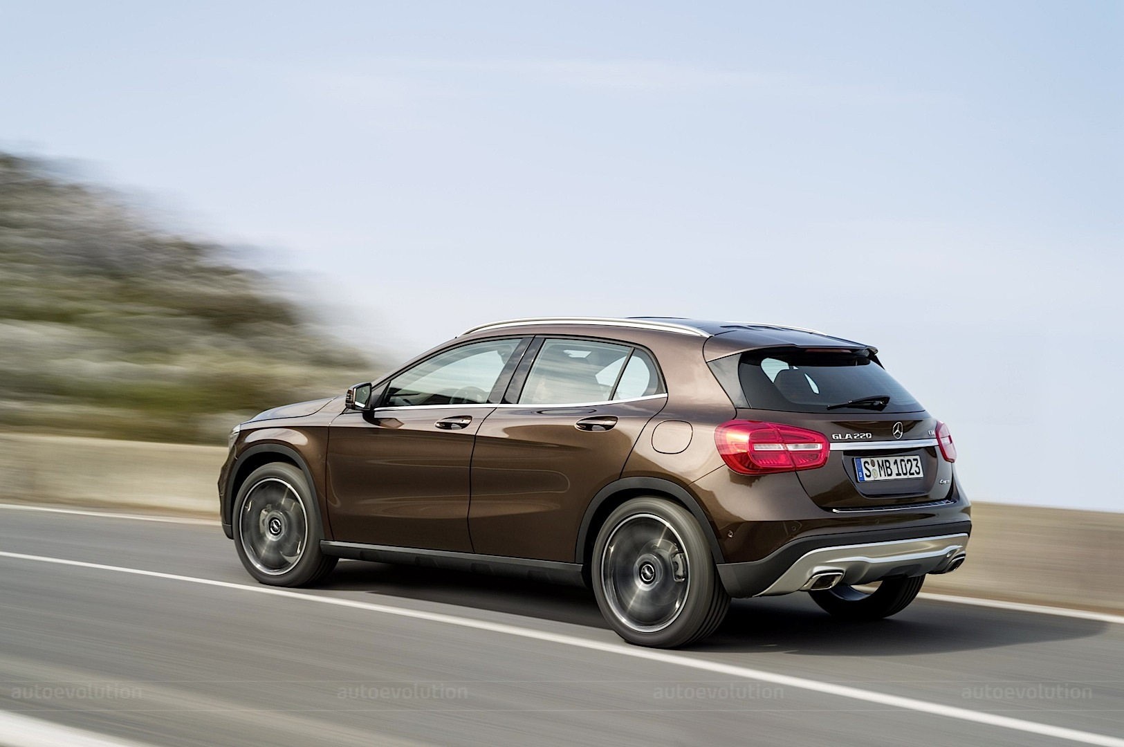 Mercedes gla release autos post for Mercedes benz gla release date