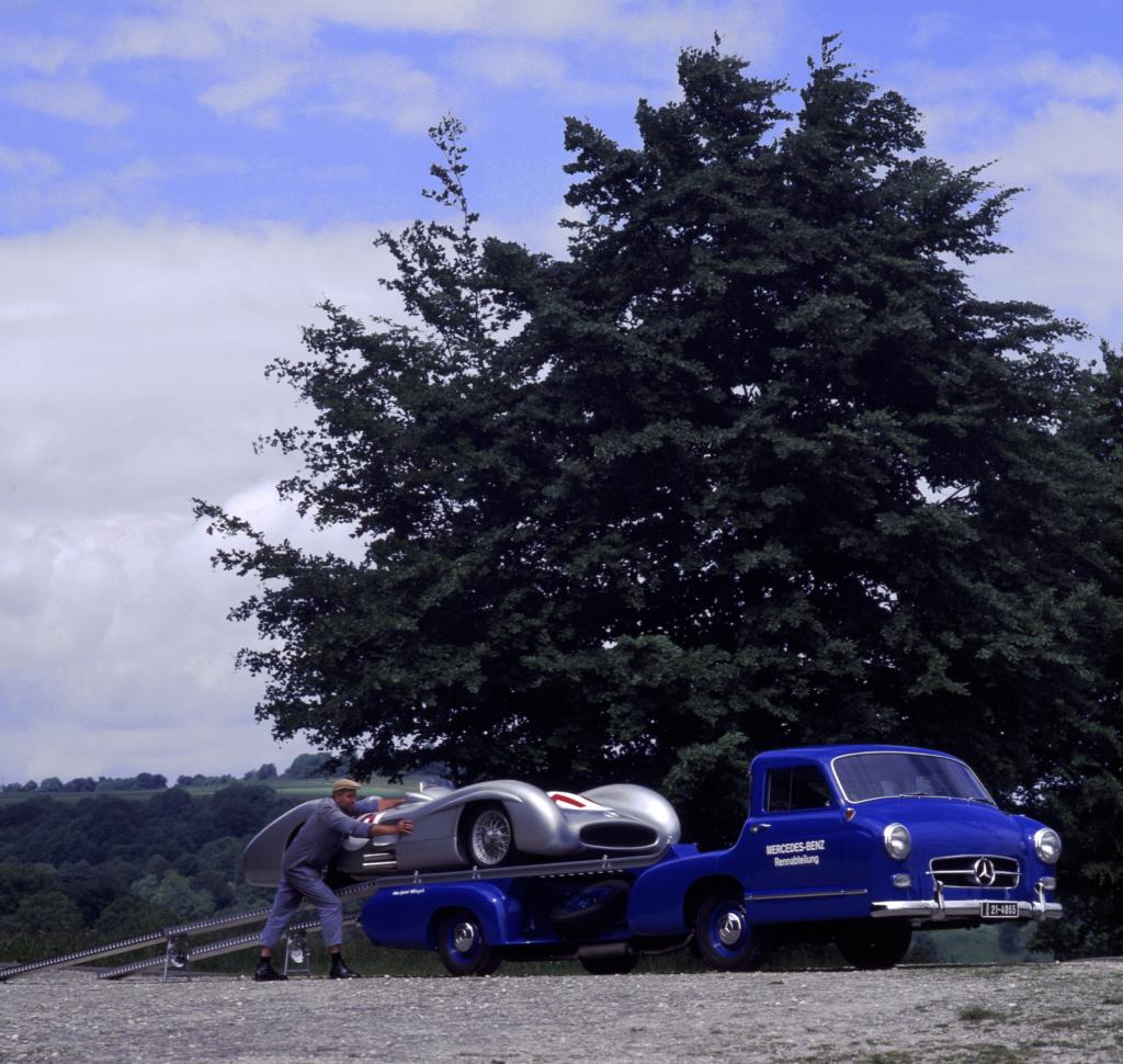 Mercedes C Class Coupe >> Mercedes Renntransporter - The Fastest Racing Car Hauler ...