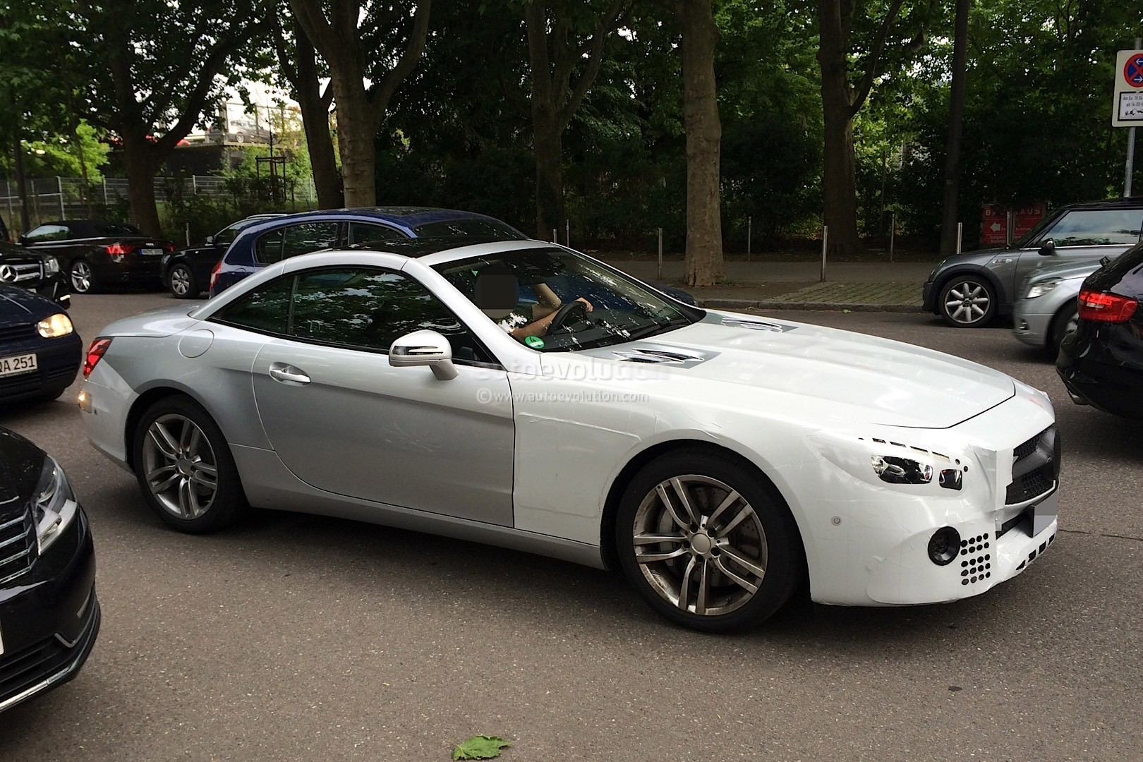 Mercedes sl facelift spotted again shows silver paint job for New paint car