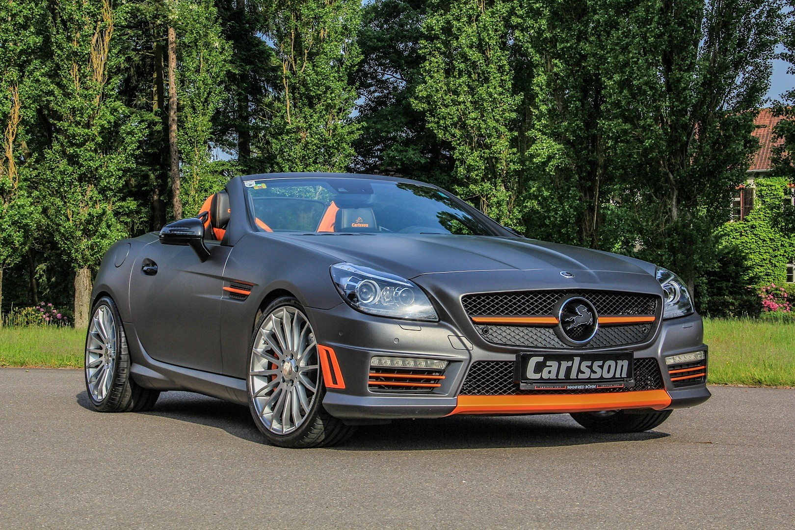 mercedes slk 55 amg gets carlsson interior with orange and carbon trim autoevolution. Black Bedroom Furniture Sets. Home Design Ideas