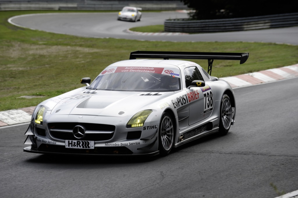 mercedes sls amg gt3 crashes at racetrack premiere autoevolution. Black Bedroom Furniture Sets. Home Design Ideas