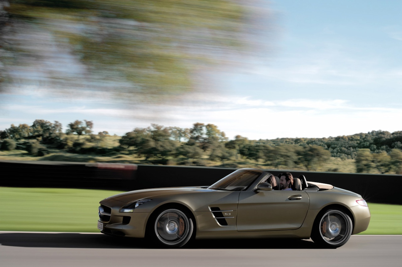 Mercedes sls amg roadster now official gallery for Mercedes benz official