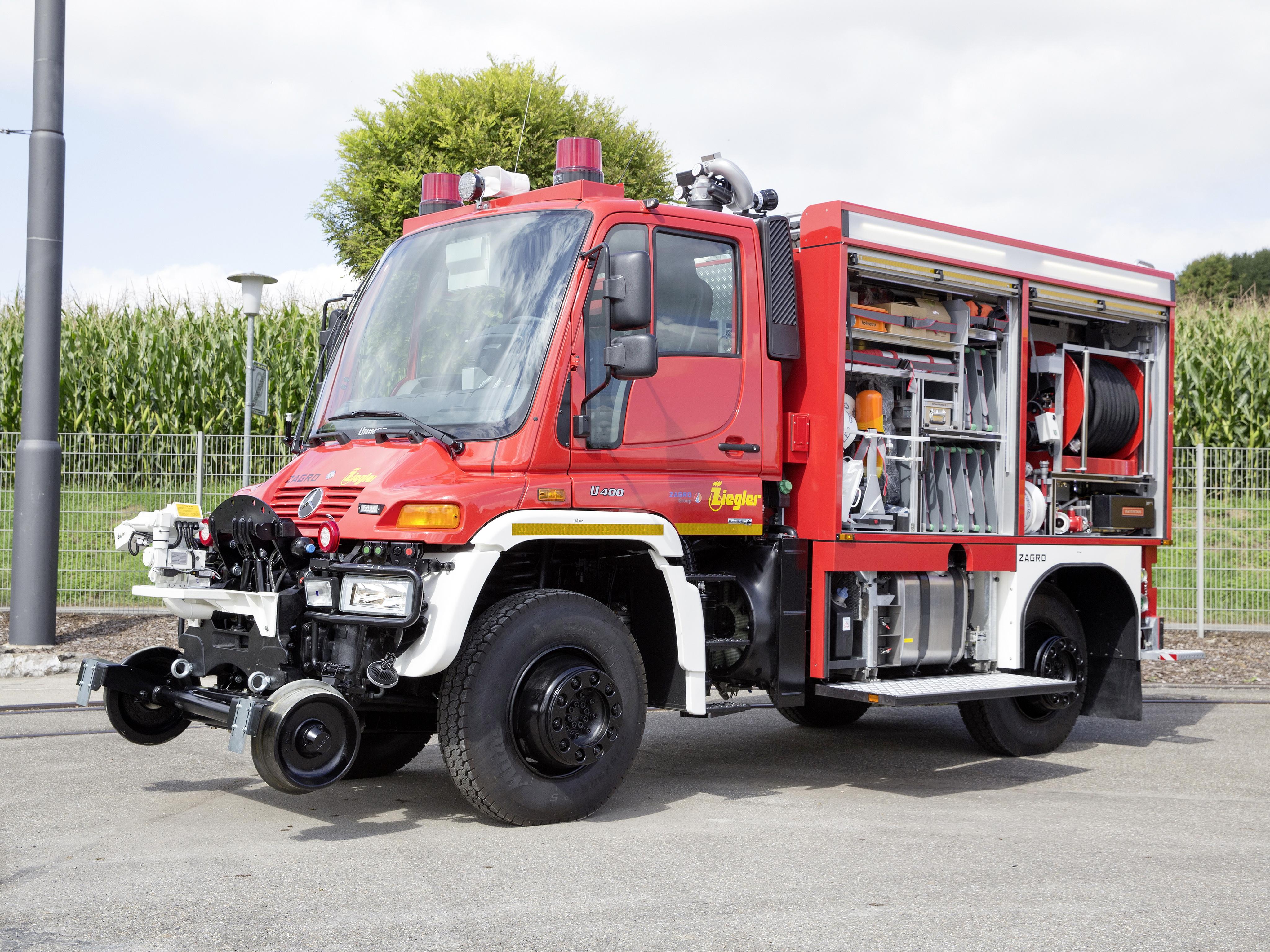 Mercedes Unimog Road-Railer Goes From Truck to Diesel ...