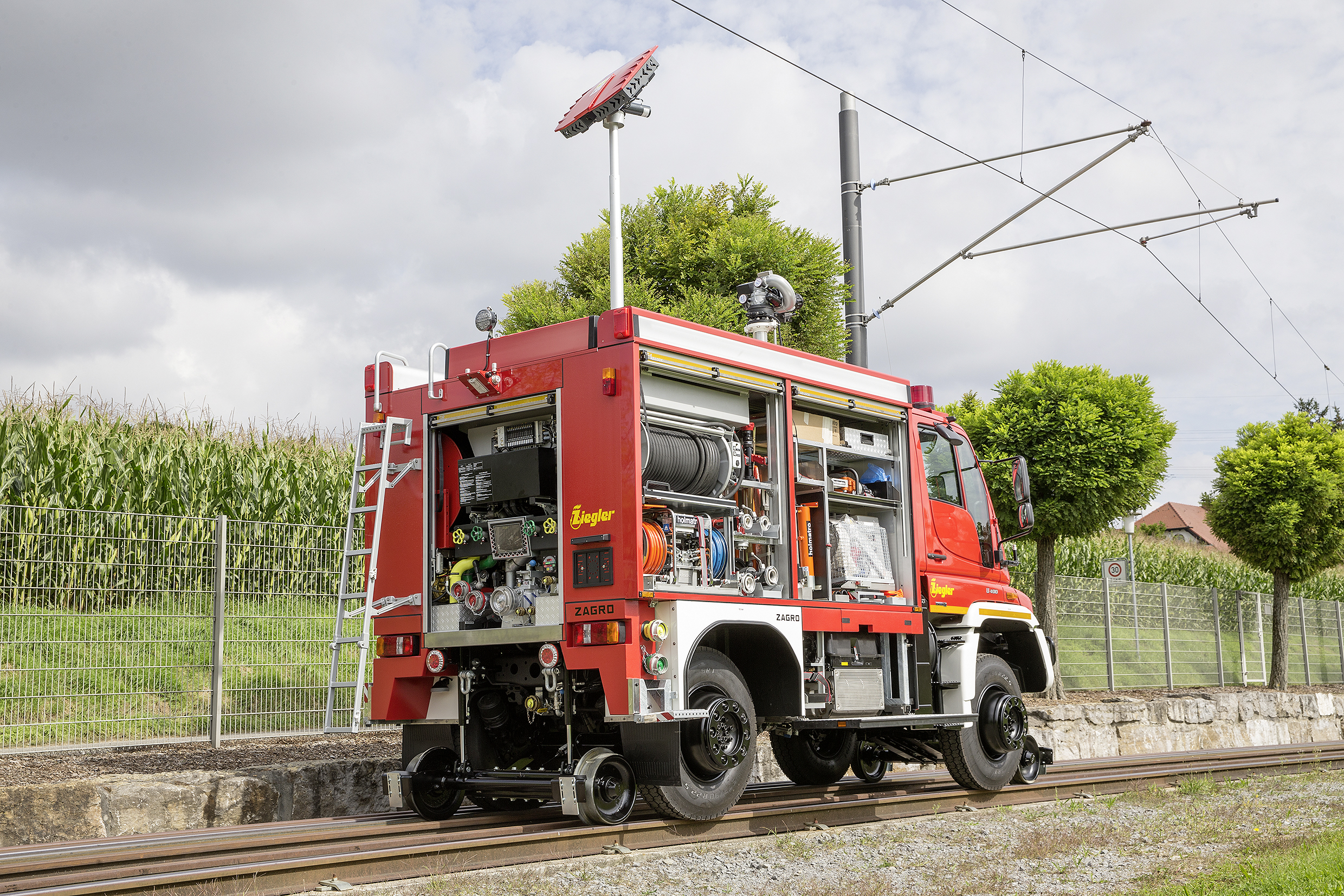 Mercedes Unimog Road Railer Goes From Truck To Diesel