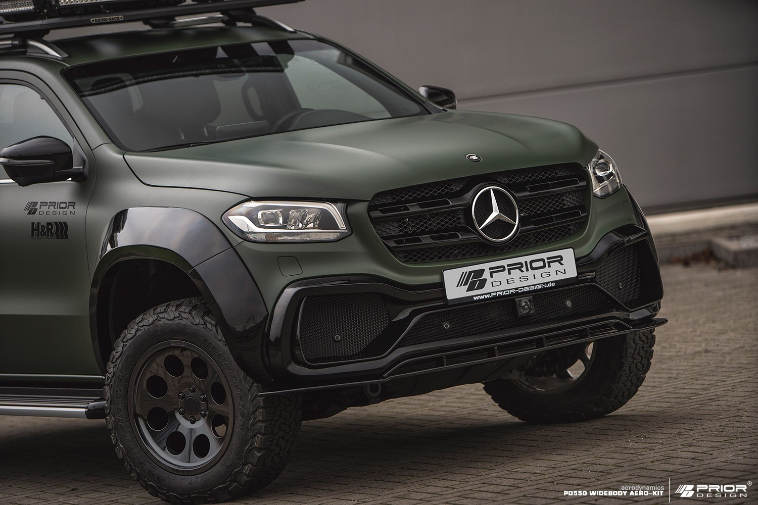 mercedes x class gets rugged and sporty prior design body. Black Bedroom Furniture Sets. Home Design Ideas