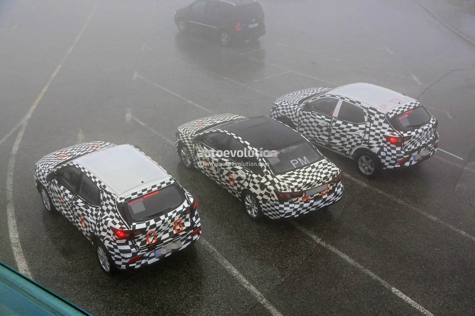 Two SUVs and one fastback on test in the Alps! Mg-zs-compact-suv-prototype-makes-spyshot-debut-on-track-for-2017-launch_15