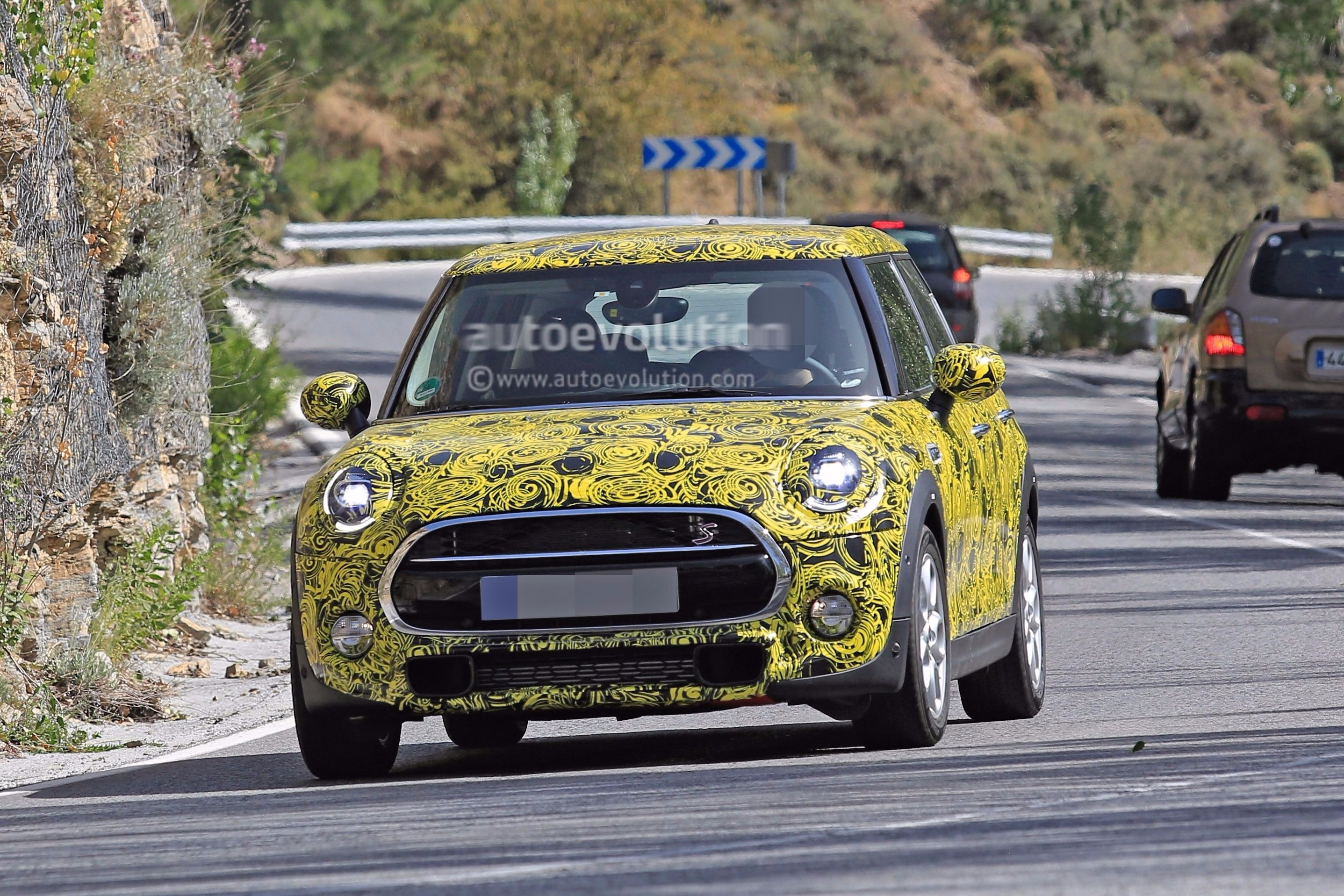 mini door cooper cars top speed
