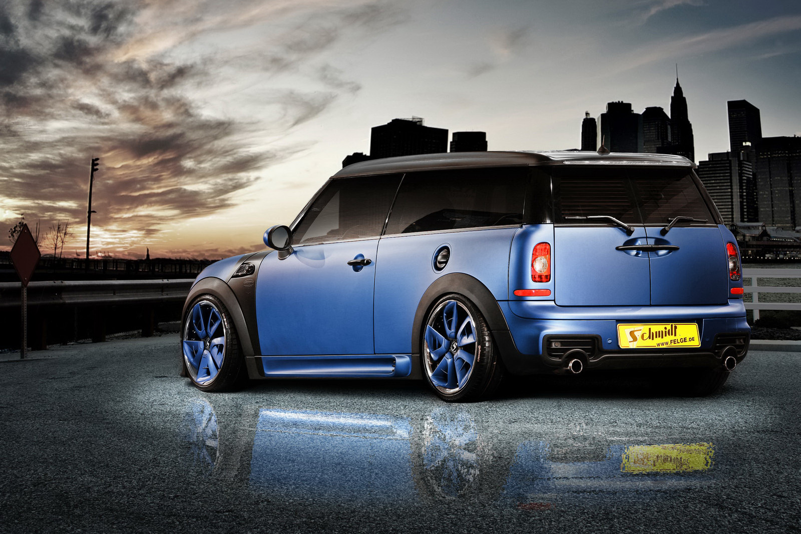 mini clubman cooper s becomes schmidt revolution. Black Bedroom Furniture Sets. Home Design Ideas