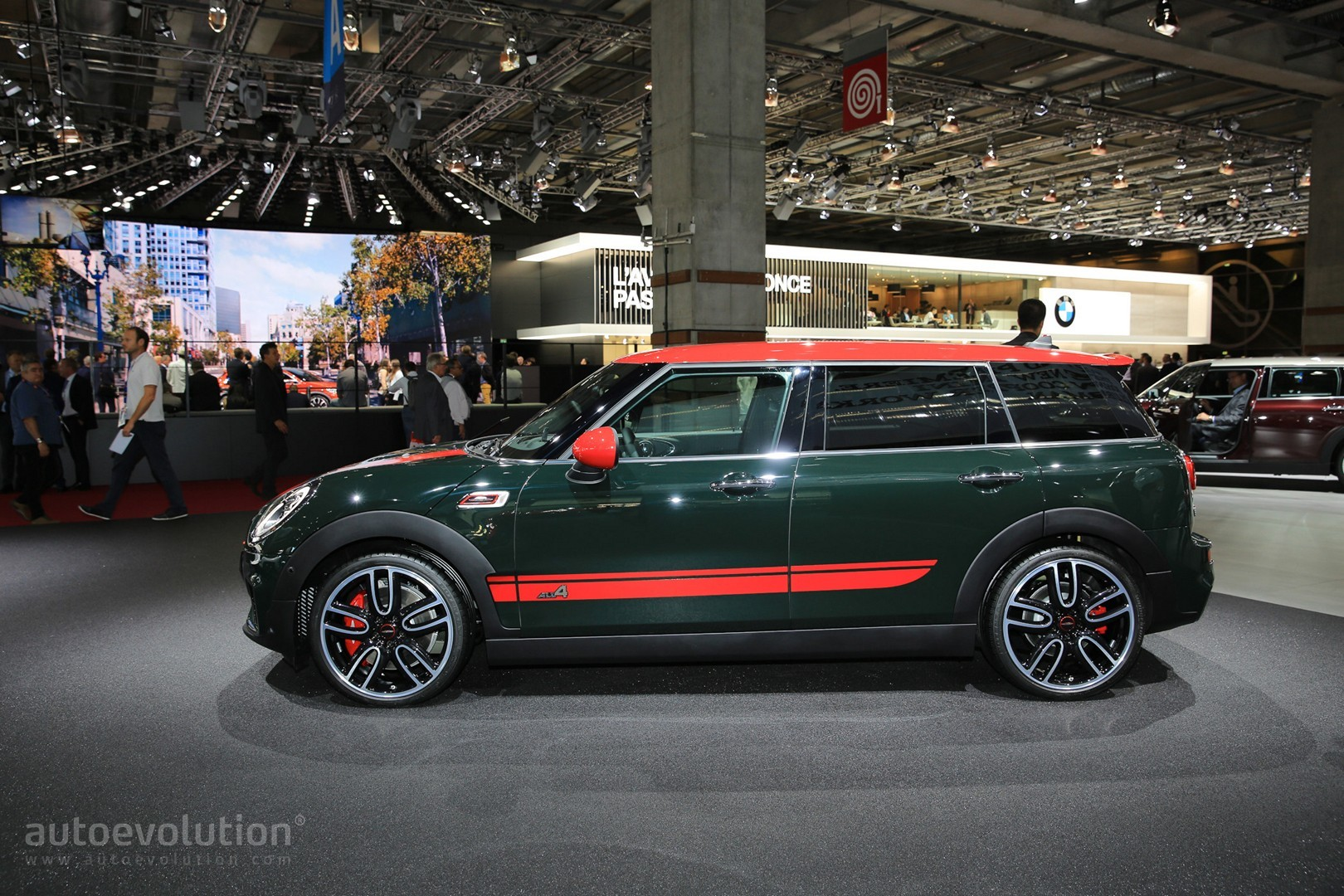 2016 golf gti vs mini cooper s clubman comparison comes down to taste autoevolution. Black Bedroom Furniture Sets. Home Design Ideas