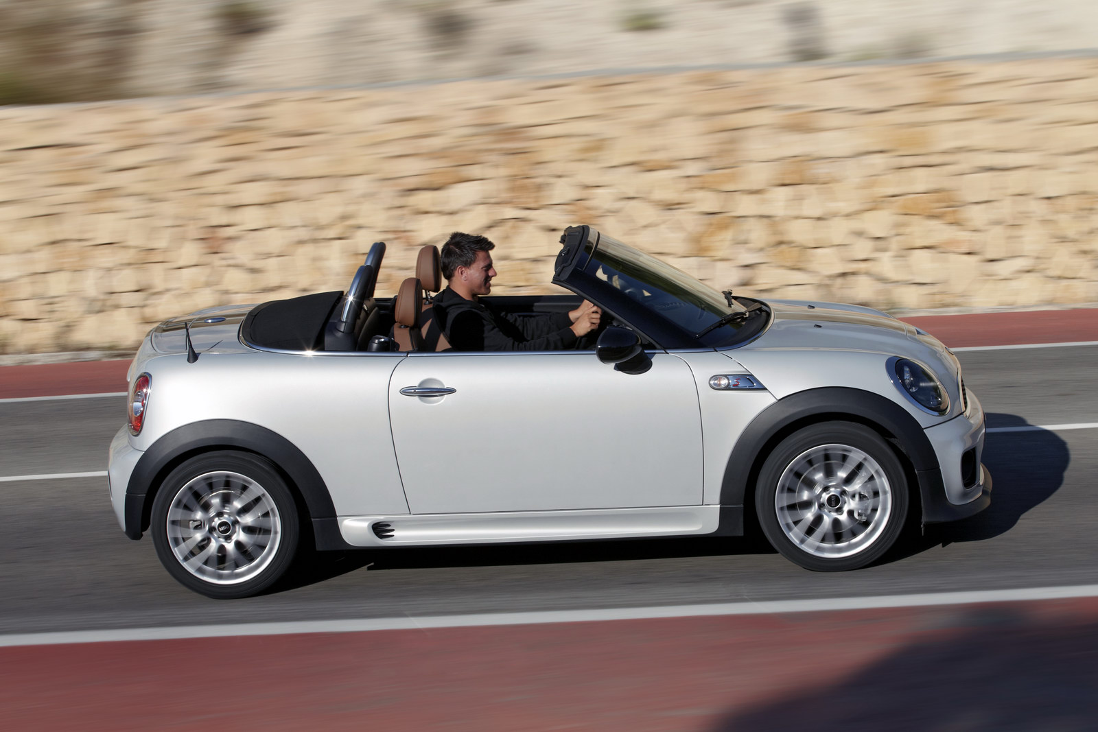 mini cooper roadster unveiled autoevolution. Black Bedroom Furniture Sets. Home Design Ideas