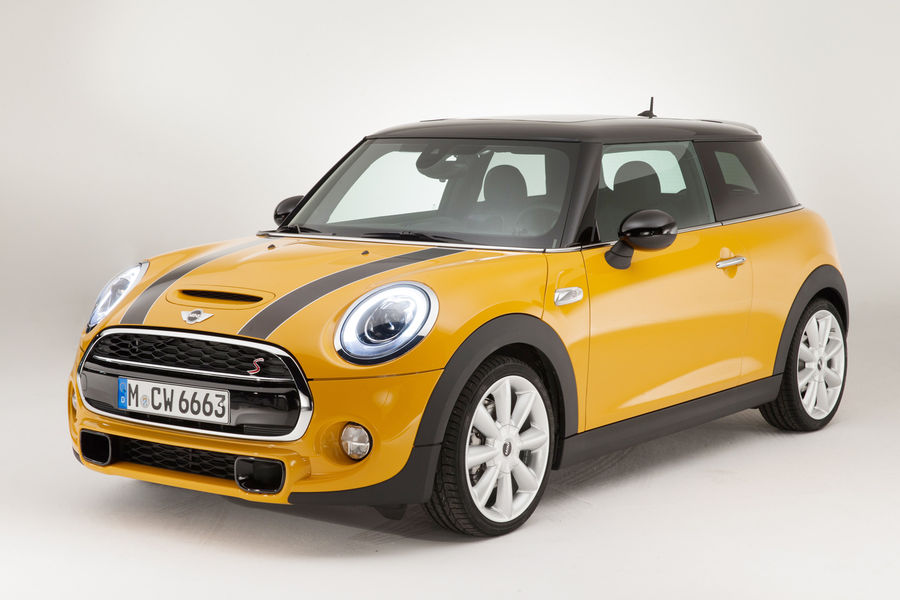 mini cooper s takes on audi a1 on first comparison. Black Bedroom Furniture Sets. Home Design Ideas